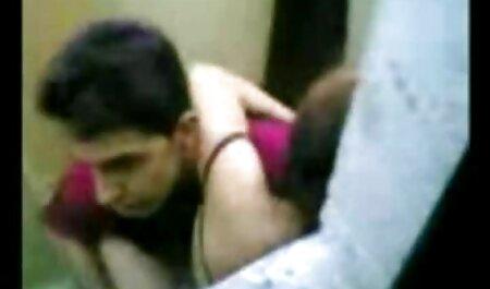 Le couple est en vacances. thai massage video porno