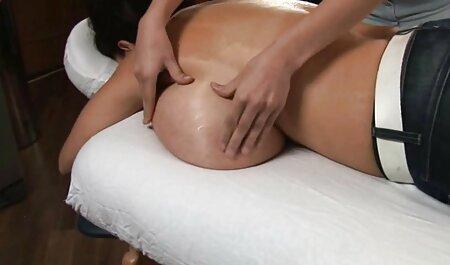 Bisexuels porno dans une salle de massage et excitants orgies précoces