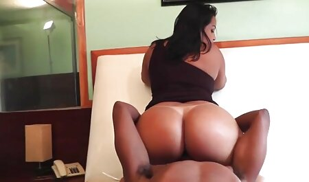 MILF porno film massage et les filles mess avec les hommes.