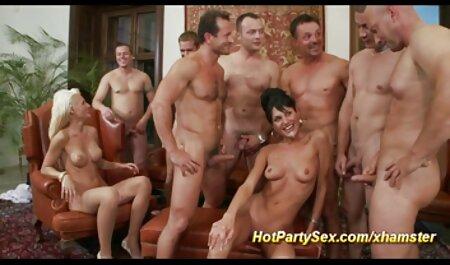 Poitrine de suspension porno massage espagnol