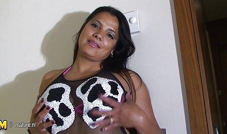 Femme médicale avec une boîte de porno massage spa douleur