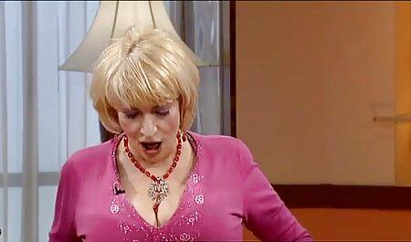 Le nègre et la porno japonais massage femme qui a copulé Rousse