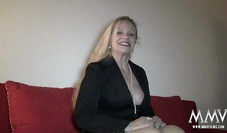 Baise porno massege grand-mère et son fils.