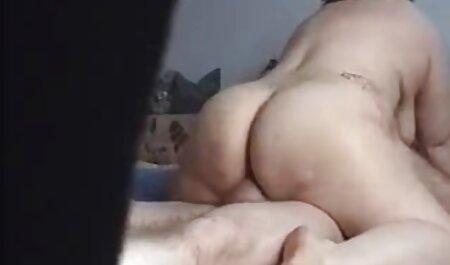 Le bébé porte un video gratuite massage sensuel collant noir.