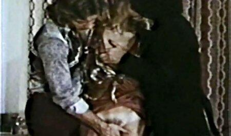 Fille gonzo caméra cachée massage aime la double baise