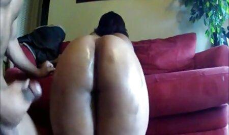 Sangle dans le porno avec massage cul