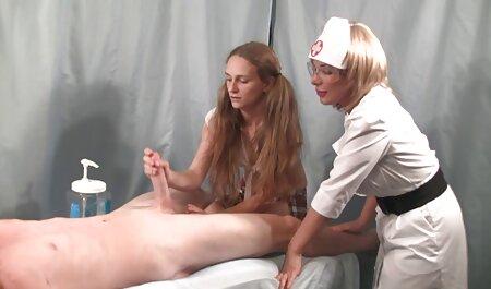 Les jeunes de sexe avec grand-mère porno des massages