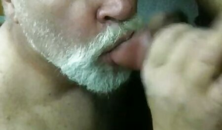 Teen sexe dans la salle de bain massage 69 porno