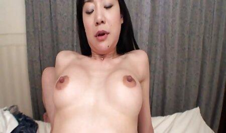 Grotte sous la porno massage sensuelle mer avec la sirène rouge