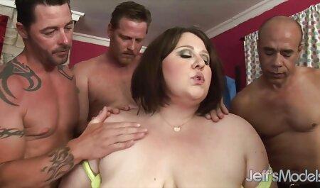 La blonde a donné porno californien des massages Érotiques.